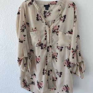 Rue21 White floral blouse.size M